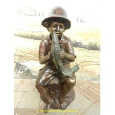 10862 Wasserspeier Junge mit Fisch Bronze 0,85 m