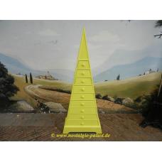 11193A Pyramidenschrank Schrank Massivholz 1,73 m