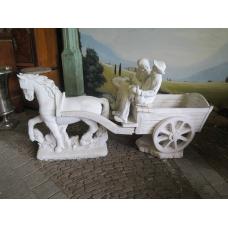 14347E Dekoration Beton Pferd mit Wagen 2,20 m