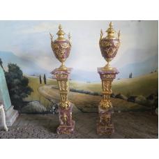 15204E Säulen mit Vasen Marmor Rot 1,82 m