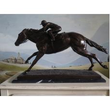 15363 Skulptur Jockey Pferd Bronze 0,83 m