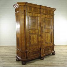 17072E Kleiderschrank Schrank Barock 1750