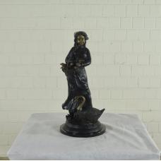 17144E Skulptur Dekoration Mädchen Bronze 0,65 m