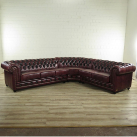 17369 Chesterfield Corner Couch - Brown 3.00 m x 2.80 m