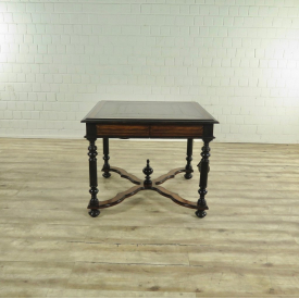 17544 Maitland-Smith Game Table Walnut 0,95 m