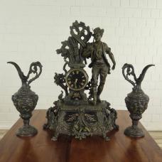 Kaminuhr mit Vasen 1850 Bronze