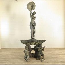 Wasserspeier Frau mit Blume Bronze 1,70 m -17799E