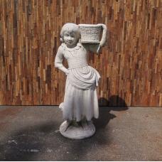 Dekoration Beton Bauernmädchen mit Korb 1,08 m