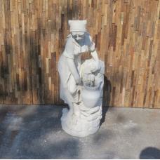 Wasserspeier Beton Frau mit Wasserkrug 1,00 m