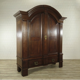 Wardrobe Baroque 1740 Oak wood